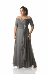 ingrosso le madri sposano i vestiti-Grey Madre of the Bride Abiti Plus Size Off La spalla Cheap Chiffon Prom Party Gowns Long Madre Abiti Groom Abiti