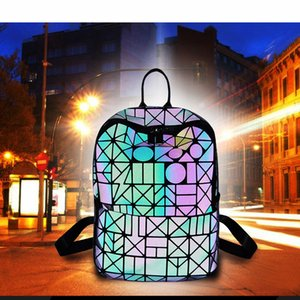 Wholesale High quality 4 color famous Brand Classic designer fashion Men messenger bags cross body bag school bookbag shoulder bag SOHO bags handbags