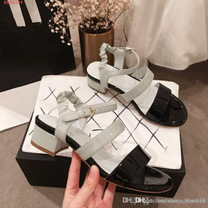 Wholesale 2019 Latest Color matching Women mid heel sandals The peep toe shoes Stylish and simple patent leather sandals