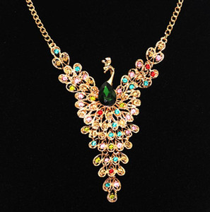 Wholesale Europe Fashion Jewelry Women s Peacock Necklace Exaggerate Colorful Rhinestone Pendant Necklace S152