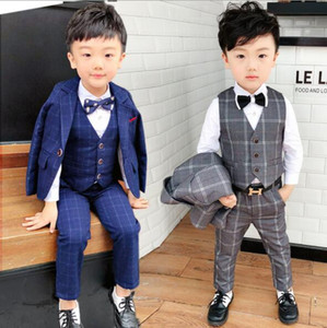 Wholesale boy vests resale online - 2020 New Boys Plaid Wedding Suit England Style Gentle Boys Formal Tuxedos Suit Kids Spring Clothing8906 Set coat pants vest