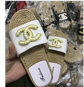 Wholesale FREE SHPPINGFlip flops ladies spring summer new euro american all in one non slip wear large size beach pinch flat bottom sandals tide