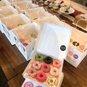 Wholesale Donut Paper Box essert Doughnut Cupcake Pastry Packaging Boxes Event Party Supplies