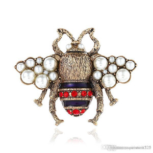 Wholesale Crystal Clothing Brooch Retro Cute Bee Pearl Pin Alloy Gemstone Brooch Europe United States Fashion Quality Jewelry Women Gifts Spot Color