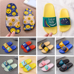Wholesale cute sandals resale online - 2020 Online Slippers PVC Summer Women Men Sandals Home Shoes Blue Red Pink Yellow Indoor Children anti slip flip flops Kids Cute Shoes