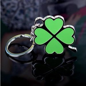 Wholesale Delicate four leaf clover love lovers gift keychain lucky grass logo