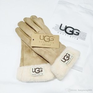 Wholesale 2019 New Winter Women Leather Gloves 4 Colors Designers Gloves Luxurys U&G Handwear Ladies Ourtdoor Warm Gloves Women Brand Glove