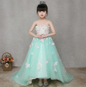 Wholesale 2019 New Elegant Girls Light Green Sling Wedding Dress Long Trailing Lace Appliques Flower Girl Dress Princess Birthday First Communion Gown