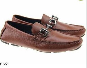 Wholesale Brand Soft Leather men leisure dress shoe part gift doug shoes Metal Buckle Slip on Famous man lazy falts Loafers Zapatos Hombre
