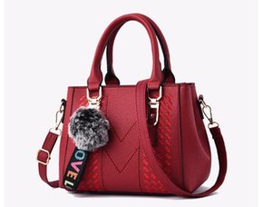 Wholesale Master Designs New Type Bags Trendy Bags Bags Customized Spot Handbags Embroidery Girls Large Capacity and PortabilityDHL