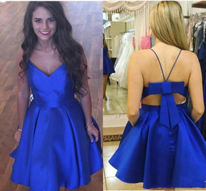ingrosso abiti da cocktail-Royal Blue Short Cocktial Party Dreses con spaghetti Backless Back Bow Short Homecoming Abiti personalizzati