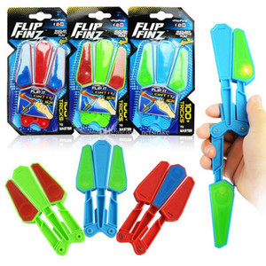 Wholesale Flip Finz Fidget Plastic Spinner Toys Blue Red Green Twirl Flip Light Up With LED OVP Endless Addictive Fun Assorted Toys For Teenagers