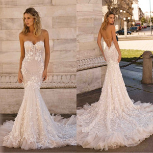 Berta 2020 New Wedding Dresses Sexy Strapless Backless Lace 3D-Floral Appliques Bridal Gowns Plus Size Sweep Train Mermaid Wedding Dress
