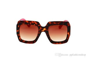 ingrosso stelle splendore-0102 Fashion Week Catwalk Sunglasses TRI Color Contrast Quadrato Eyewear Shine Pink Star Star Glasses con scatola
