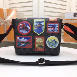 Wholesale 2018 small postman bags cut from canvas fabric decorated with embroidery tufting and printing easy to carry a comfortable shoulder bag