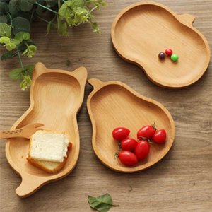 Wholesale Wooden Dessert Dish Western Food Baking Kitchen Dessert Dish Tray Japanese Apple Pear Cat Wooden Tray for Snacks Fruit