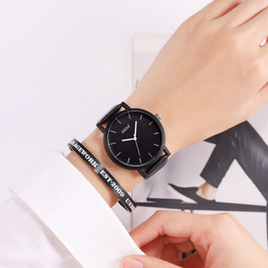 Wholesale TQ Women Quartz Wristwatch Big Dial Simple Black Retro Bracelet Watches Female Lady Simulated Leather Band Watches Reloj Mujer