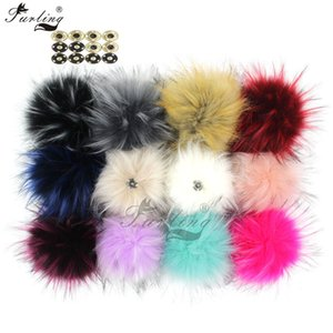 Wholesale raccoon fur ball Furling cm Fashion Large Faux Raccoon Fur Pom Pom Ball with Press Button for Knitting Hat DIY
