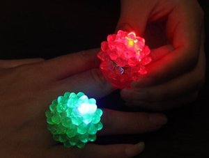 Wholesale Strawberry Glow Light Ring Torch LED Finger Ring Lights Flash Beams Light Halloween Party LED Toys Wedding LLFA