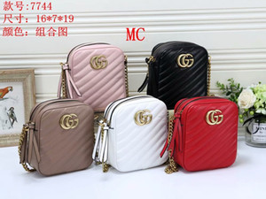 Wholesale Free Delivery + Women's New V-Lattice Embroidery Alphabet Camera Bag Single Shoulder Bag European and American Fashion Chain Bag Small Squar