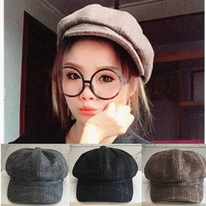Wholesale Female autumn winter retro octagonal hat casual versatile literary duck tongue hat fashion plaid pumpkin beret women beret