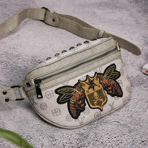 Wholesale Factory direct brand men bag high quality Oxford cloth men chest bag embroidered small bees fashion shoulder Messenger bag outdoor travel le