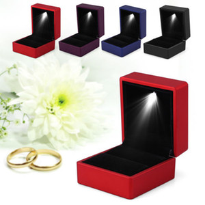 Wholesale 2019 Creative ring display box necklace pendant hold box with LED lights fashion creative simple solid color cute small portable