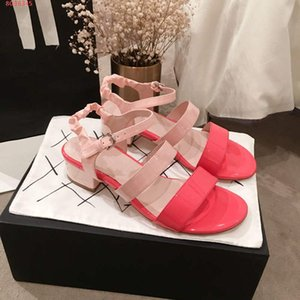 2019 Latest Color matching Women mid-heel sandals ,The peep-toe shoes,Stylish and simple patent leather sandals