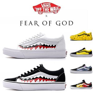 Wholesale Classic Van Off The Wall Old Skool Sk8 Sports Skate Shoes for Mens Womens Youth Girls Fear of God White Black Athletic Shoes