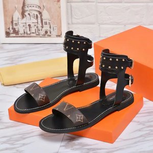 Wholesale New European style classic women Unisex sandals fashion shoes vamp solid metal belt buckle comfort letter decoration size with box L8