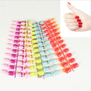 ingrosso unghie a stiletto brevi-24pcs Colorful Breve Quadrato Testa chiodo falso del chiodo della barretta punte a spillo Coffin Nails falso ABS artificiale punte Art Deco