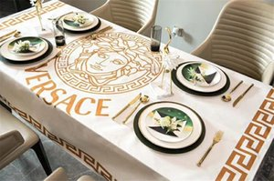 Medusa Print Tablecloth New White Goddess Head V Letter Luxury Design Tablecloth 4 Size Hot Sale Fashion Letter Table Cloth on Sale