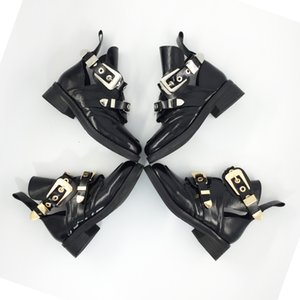 Wholesale Hot Sale Brand Hot Ankle Boots Heel Short Booties Gold Silver Metal Buckle Design Botas Woman Chaussures Femmes Runway Star Boots Chic