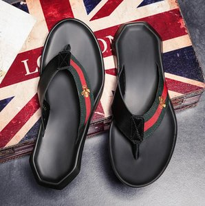 Wholesale Hottest Men s Brand Designer Slipper Europe and America Bee Fashion Flip Flops Genuine Leather Men Beach Non slip Trend Sandals Slippers