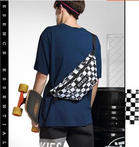 Wholesale Tide brand plaid Messenger bag men's chest bag sports pockets multi-function ladies casual shoulder bag designer luggage