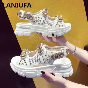 Wholesale Summer Rhinestone Breathable Comfortable Non slip Ladies Walking Beach Sandals Women Shoes Y190704