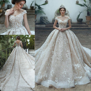 Dubai 2020 Champagne Luxury Beading Ball Gown Wedding Dress Vintage Lace Princess Off the Shoulder Arabic Plus Size Bridal Gowns