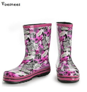 2018 Rain Boots Rubber Platform Shoes Mid-Calf Women Boots Casual Creepers Slip On Flats Walking Outdoor Shoes PVC Girls