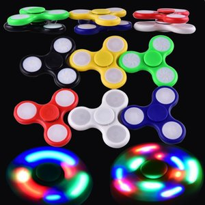 Wholesale LED Light Up Hand Spinners Fidget Spinner Top Quality Triangle Finger Spinning Colorful Decompression Fingers Tip Tops Toys OTH384