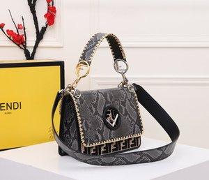 Fashion Women Shoulder Bag Women New High Quality Sense Bag Natural Wind Style Ladies Wild Diagonal Small Bag Tide F8806A