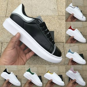 Reflective Chaussures Luxury mens women Lace Up Leather Platform Oversized Sole Solid Colors Golden Vintage Casual Sneakers Dress Shoes