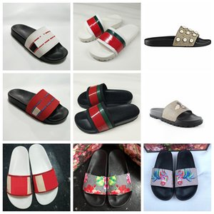 Wholesale Luxury Designer Men Summer Black White Rubber Slippers Beach Slide Many Color High Quality Fashion Scuffs Sandals Indoor Shoes Size