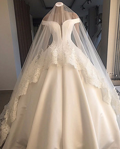Wholesale Real Pictures Vintage Off Shoulder Ball Gown Wedding Dress With Veils Sparkly Luxury Saudi Dubai Arabic Plus Size Bridal Gown
