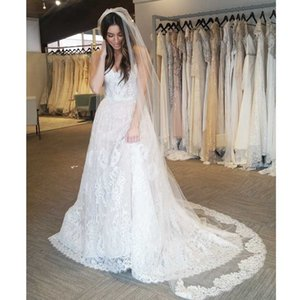 Wholesale Modern Sweetheart A line Wedding Dresses Full Lace Sleeveless Beach Bridal Gowns Sweep Train Boho Wedding Gown with Hair Veils
