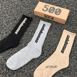 Mens Socks SEASON 6 CALABASAS Skateboard Fashion Mens Letter Printed Socks Sports Socks Sockings Hip Hop