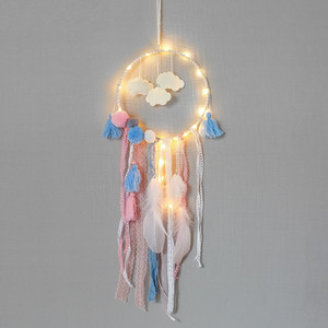 regalos para adolescentes al por mayor-Nubes escamosas Feather Dreamcatcher Party Decorate Catcher Network LED Dream Catcher Adolescente Regalo creativo Moda Colorido xr C1