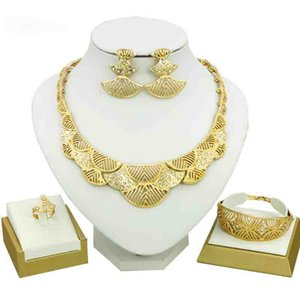 Wholesale Dubai Jewelry Sets Female Bridal Jewelry Sets Half Moon Crystal Necklace Earrings Bracelet Fashion Gold Plated