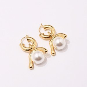2019 Simple and stylish net red with natural large pearl earrings fashion jewelry stud earrings woman wedding earrings