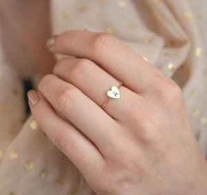 Wholesale Hot new A Z English Letter Ring English Initial Ring Silver Gold Love Heart Rings Women Fashion Jewelry WCW167