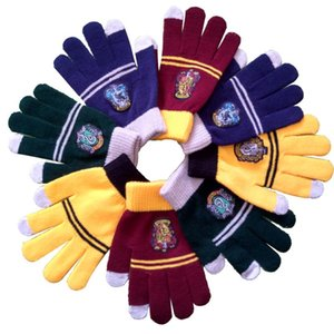 Wholesale Harri Potter Touch Screen Warm Gloves Badge Gryffindor Hufflepuff Slytherin Ravenclaw Kid magic Gift Mittens Cosplay